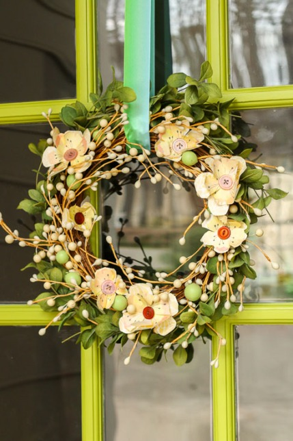 spring-wreath-with-yellow-scrapbook-button-flowers