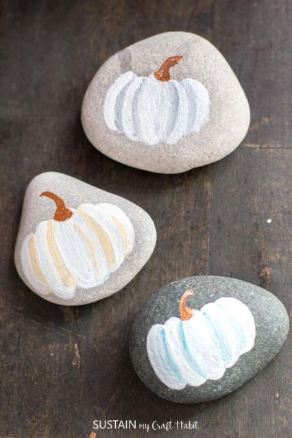 Painted-rocks-pumpkins-4